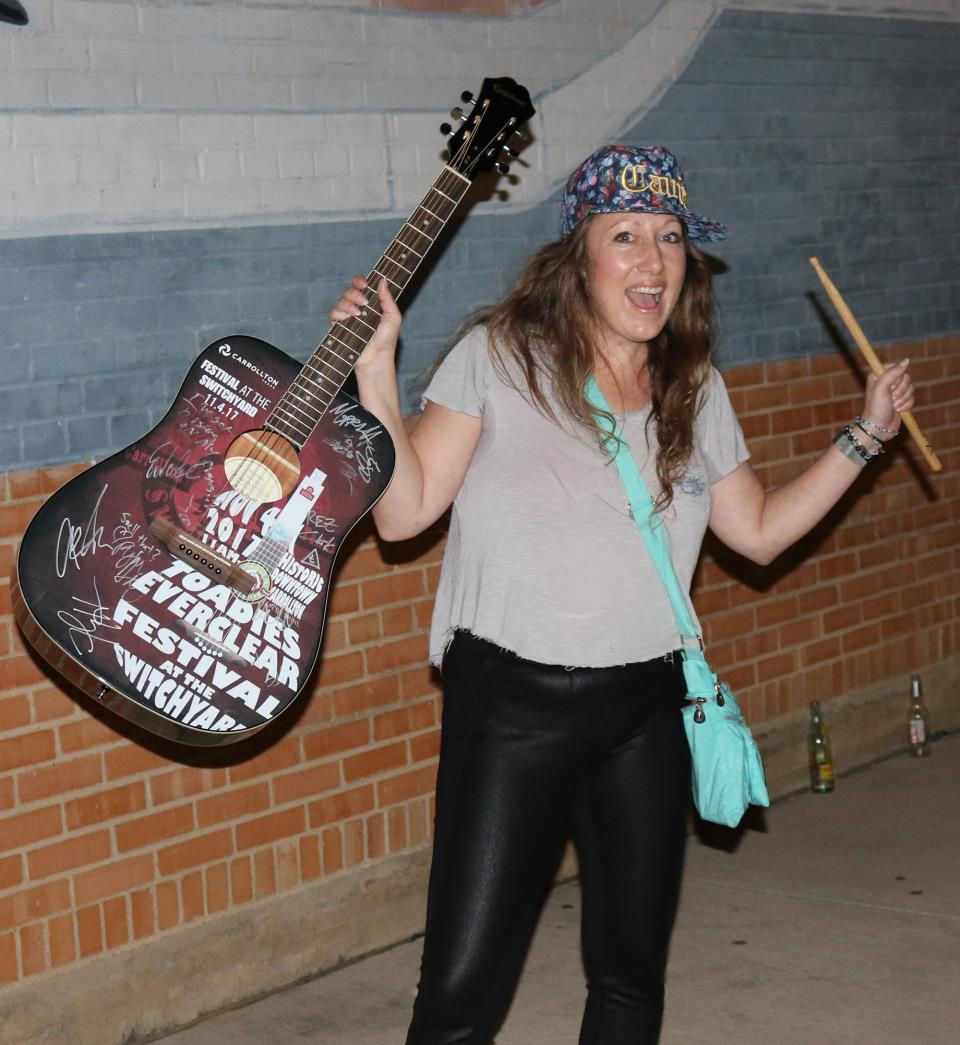 Amber Bryant guitar winner