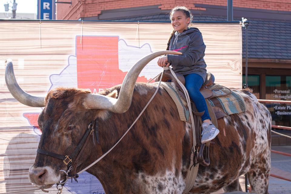 2021 Texfest longhorn