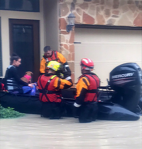 carrollton-fire-fighers-harvey-response3